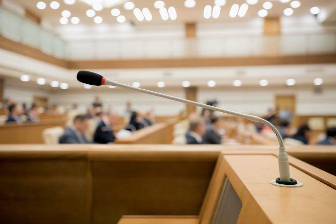 Réunion des conseils municipaux et communautaires : retour aux règles de droit commun le 1er octobre
